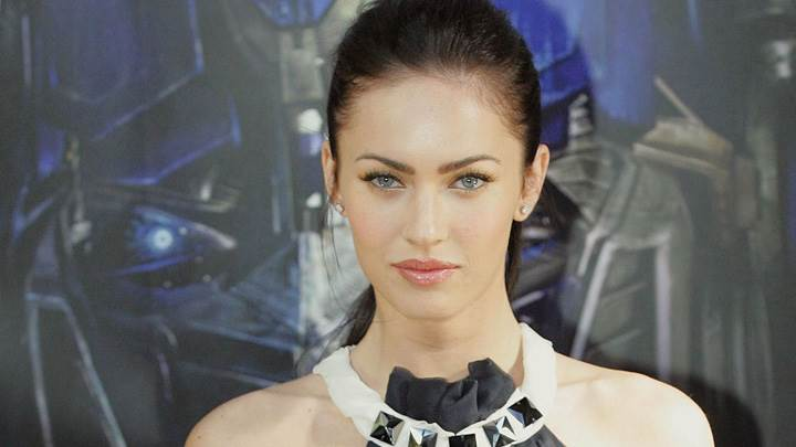Megan Fox Cute Eyes N Shiny Pink Lips Photoshoot